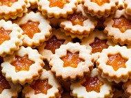 Рецепта Линцерови маслени сладки с конфитюр от праскови
